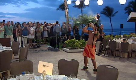 VIDEO: Celebrity chefs Symon, Waxman get cooking in Hawaii