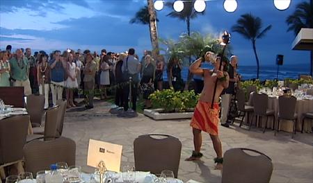 VIDEO: Celebrity chefs Symon, Waxman get cooking in Hawaii