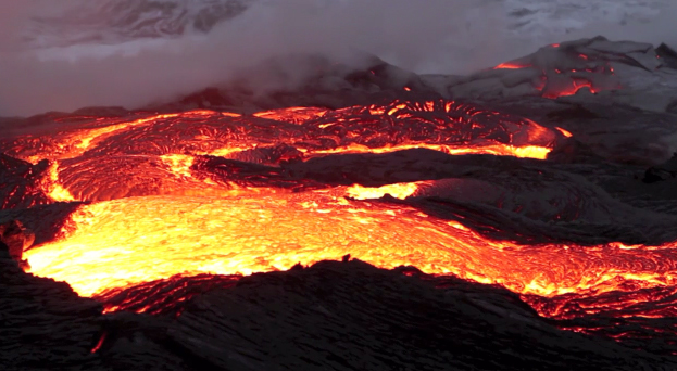 VIDEO: Hawaii volcano upper rift zone rumbles, lava field report