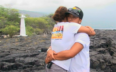 VIDEO: Hawaii kayak guides return to Kaawaloa after deadly waves
