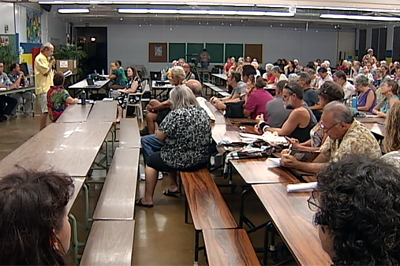 A packed meeting in Hilo for the DOE PEIS scoping