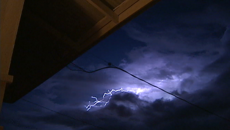 VIDEO: Lightning flashes over Hawaii Island