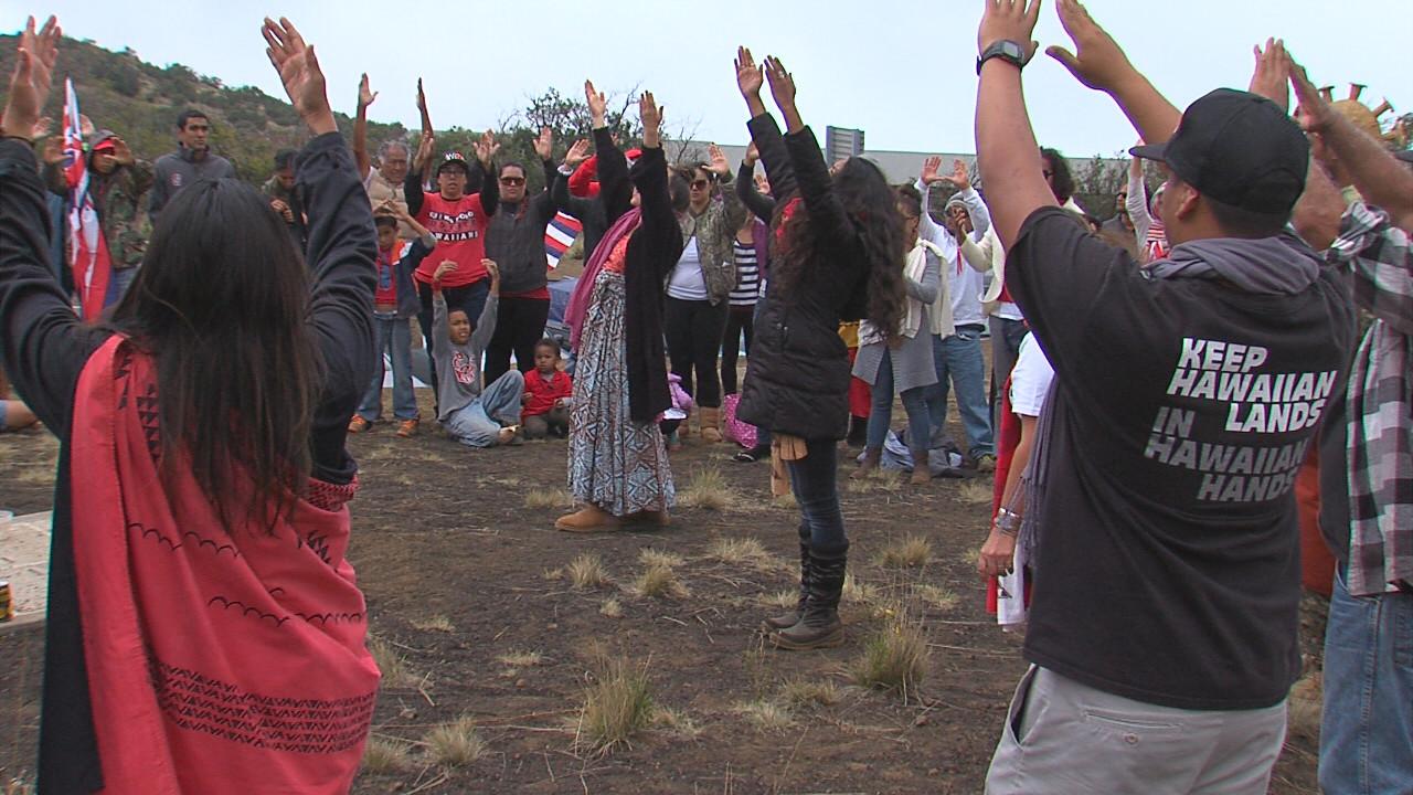 VIDEO: Good Friday On Mauna Kea, TMT Blockade Holds
