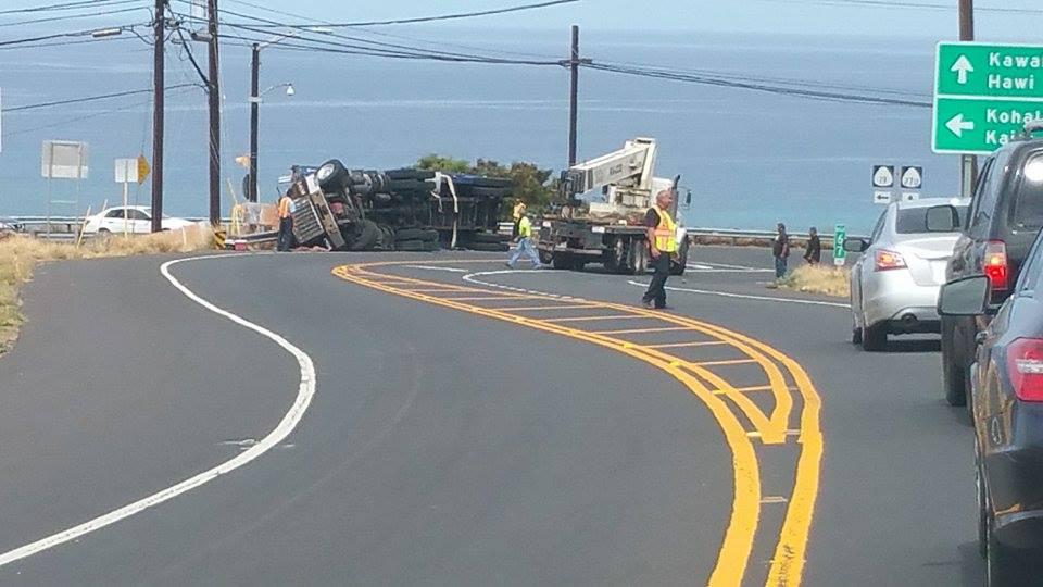 Crash Closes Queen Ka'ahumanu and Kawaihae Road