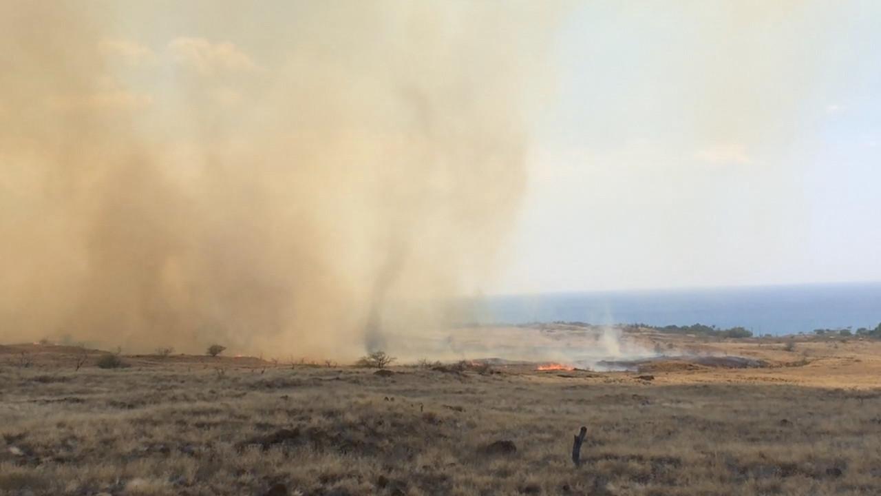 11 am Update on Kohala Brushfire