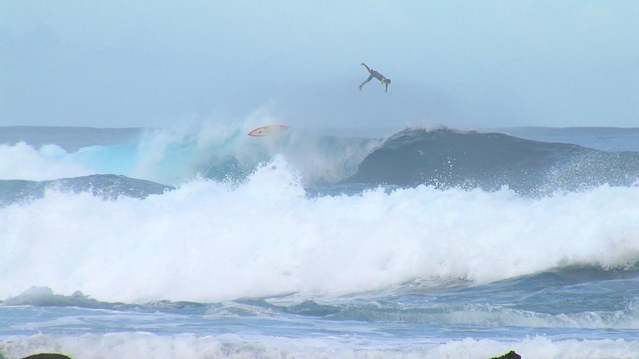 VIDEO: High Surf Warning At Pohoiki