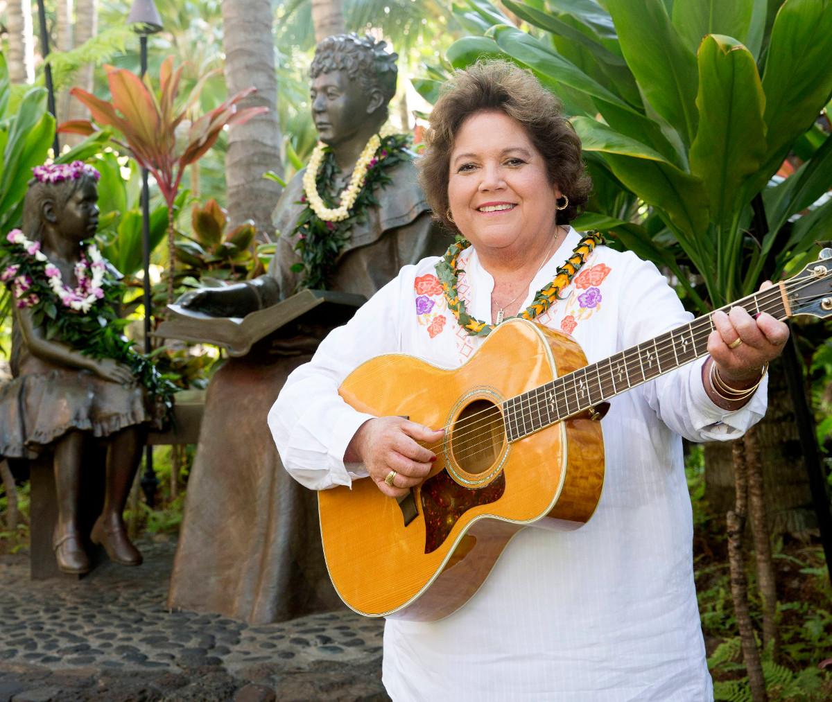 Ku'uipo Kumukahi Headlines Kailua Village Concert