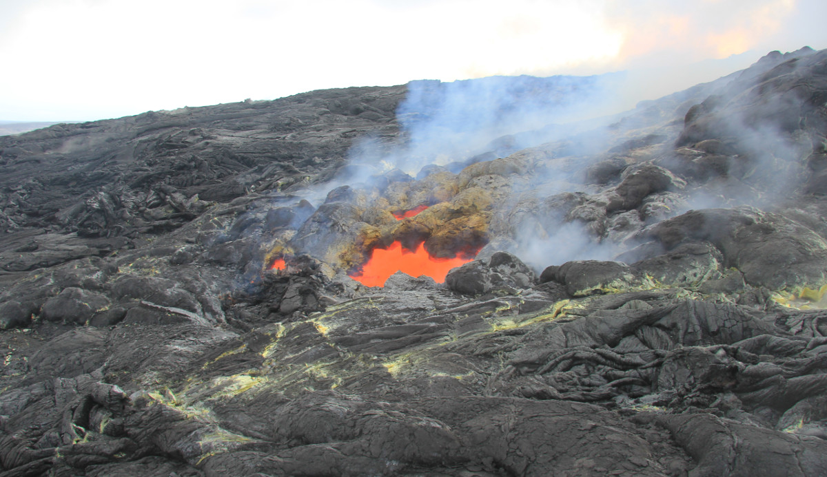 Lava Update: November 25 Breakout Advances, New Vent Opens