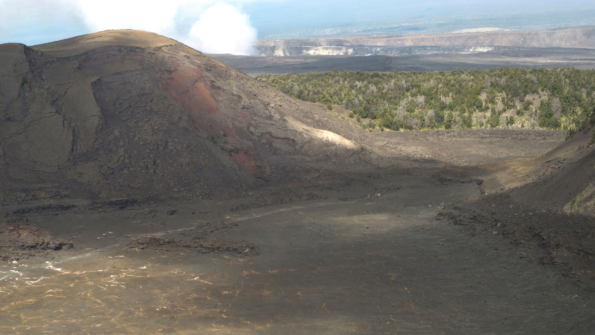 Hiker Airlifted Out Of Kilauea Iki Crater At Hawaii Volcanoes Park
