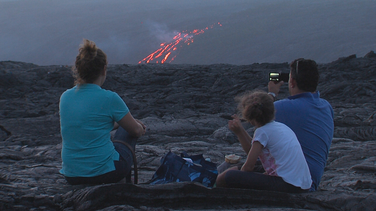 VIDEO: Family Enjoys Lava View After 3 Mile Hike