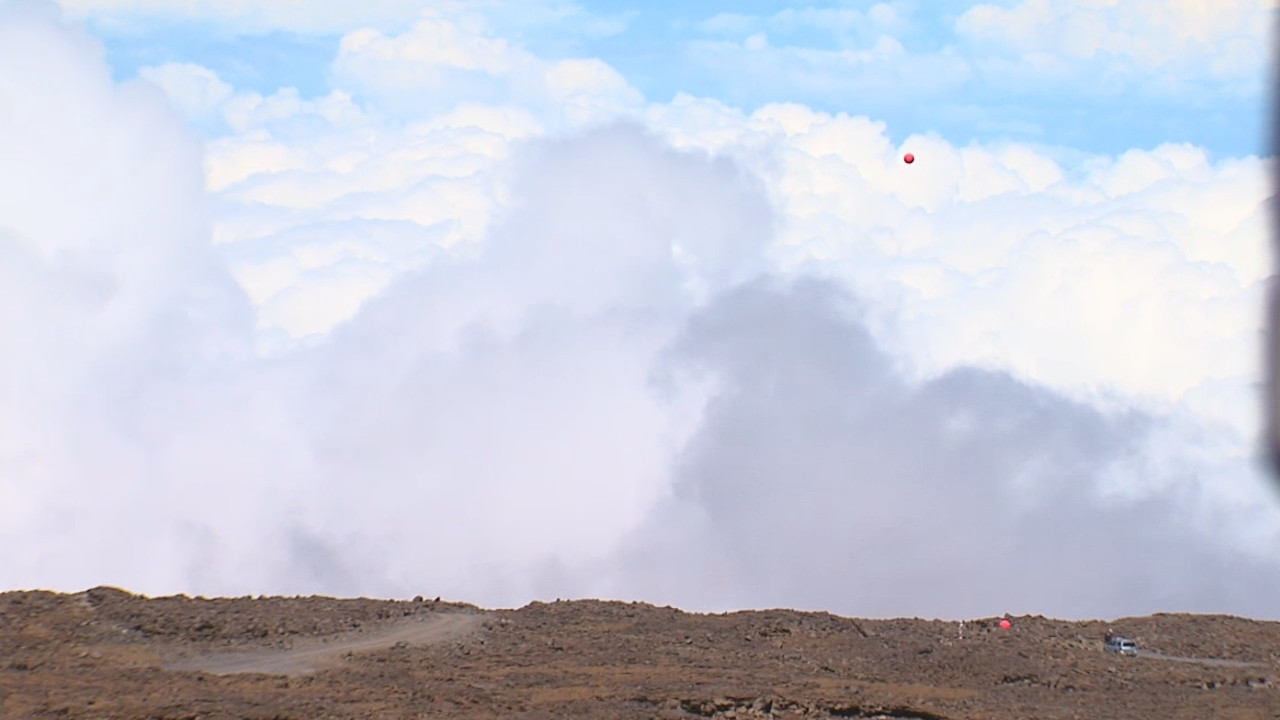 Distant view of the balloon over the northern plateau on Mauna Kea.