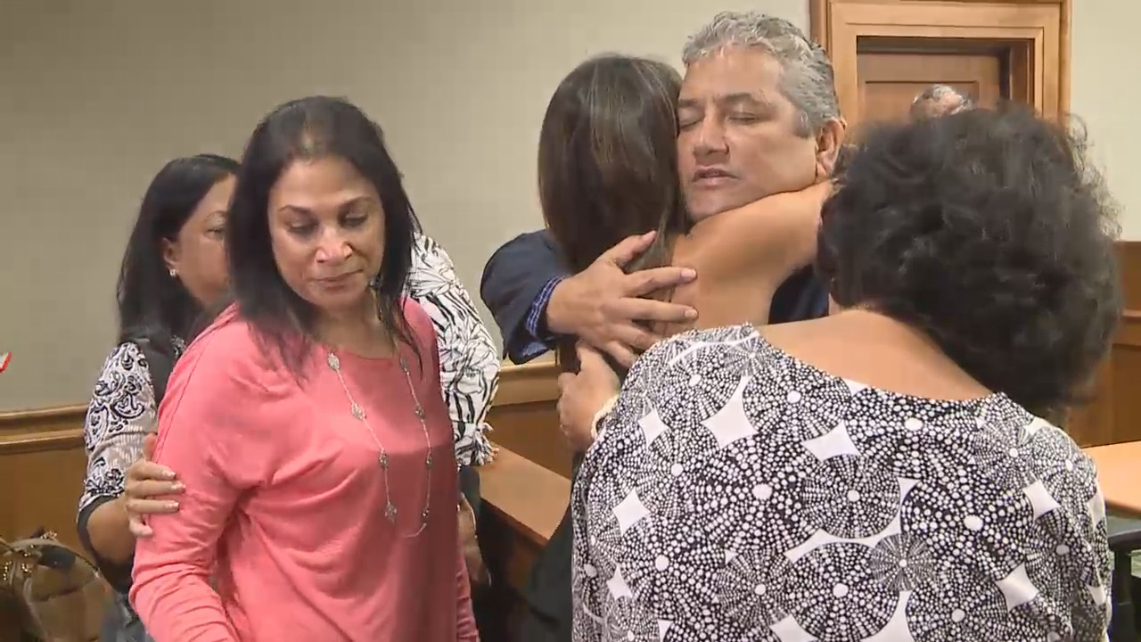 VIDEO: Supporters Hug Kenoi After Not Guilty Verdict