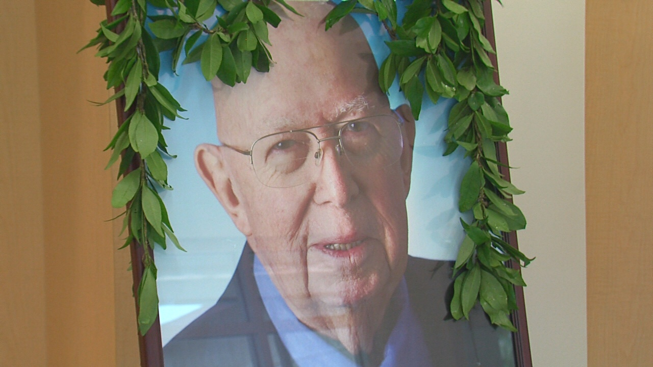 VIDEO: Ka'u Gym To Be Named After Rep. Robert Herkes