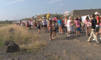 VIDEO: Big Turnout For Women's March In Kona