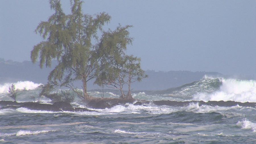 VIDEO: High Surf Warning Closes Keaukaha Road, Beaches