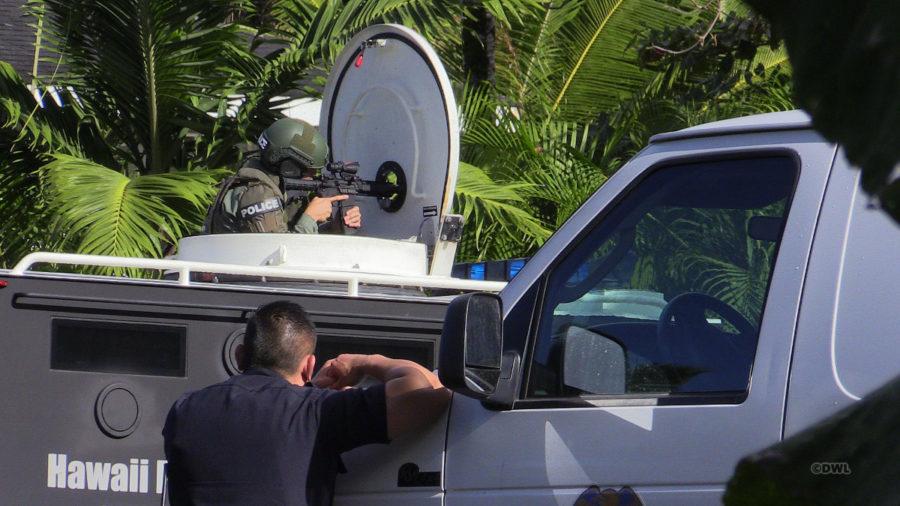 Hawaiian Beaches Shooting, Suspect Barricaded In Vehicle