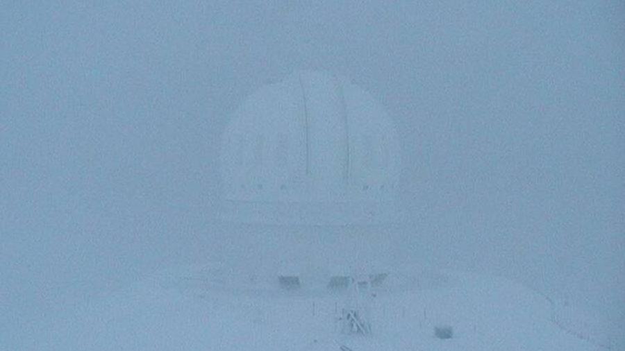 Hawaii Island Summits Buried In Snow