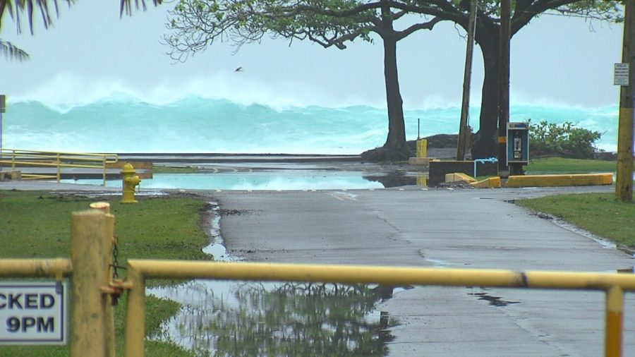 VIDEO: High Surf Closes Hilo Beaches, Bayfront Highway