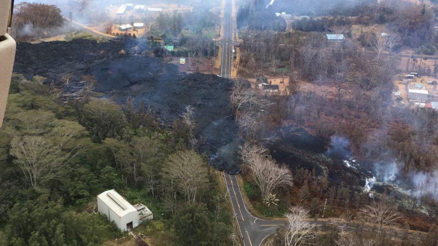 5 pm Eruption Update – Lava Flow Crosses Pohoiki, Cuts Off Malama Ki