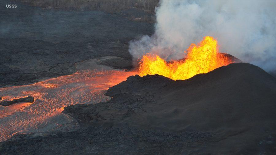 VIDEO: 2 pm Eruption Update – East Rift Zone, Summit Latest