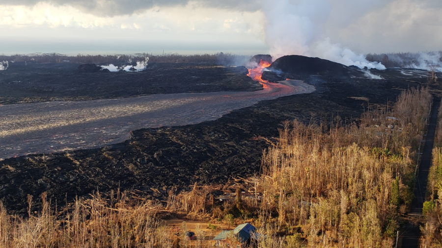 7 am Eruption Update – Lava Still Expanding Into Kapoho Beach Lots, Four Corners