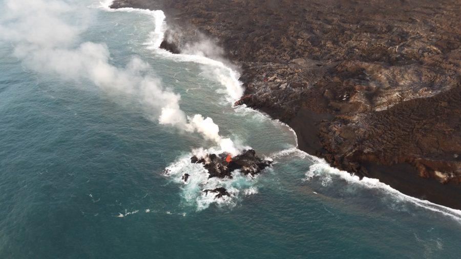 VIDEO: 5 pm Eruption Update – Small Lava Island Forms Off Kapoho