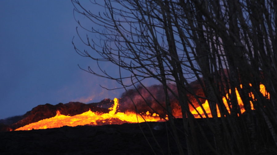 7 am Eruption Update – Thunderstorms Possible, Forecasters Say