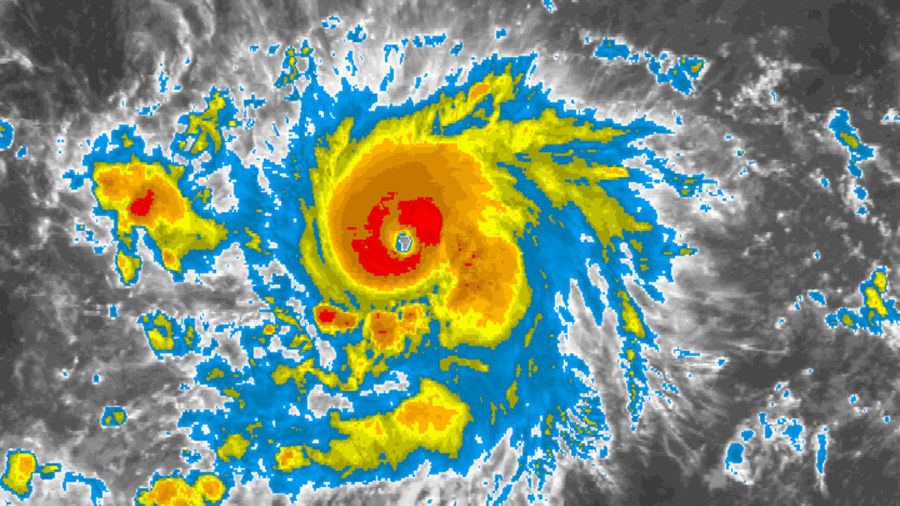 Lane Becomes Major Hurricane, Heading Towards Central Pacific