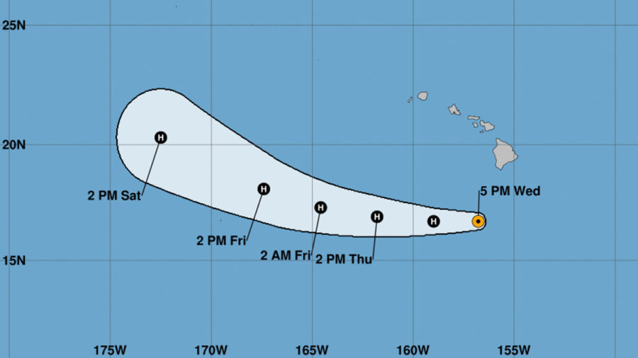 Major Hurricane Hector Passes Hawaii To The South