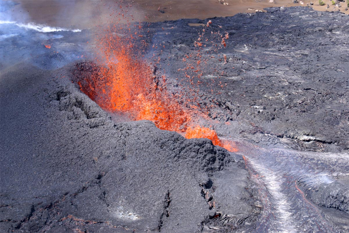 Hawaii Volcano's March fissure eruption viewed by millions