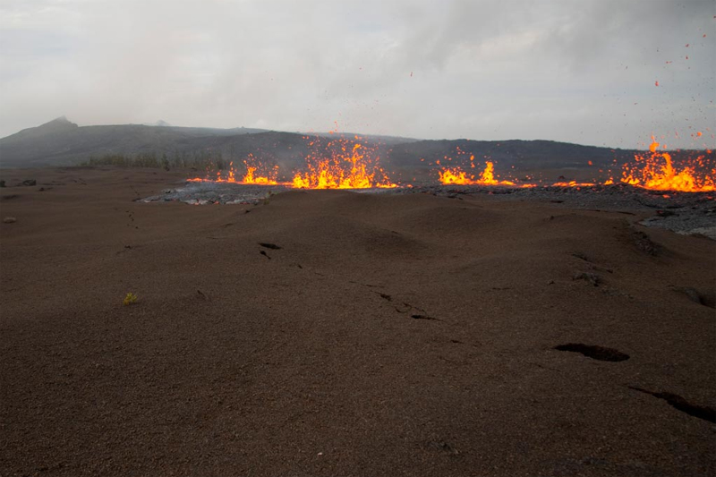 Latest update from Hawaii's new Kilauea volcano fissure