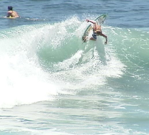 VIDEO: 2011 Quicksilver Pro-Am Surf Trials in Honolii