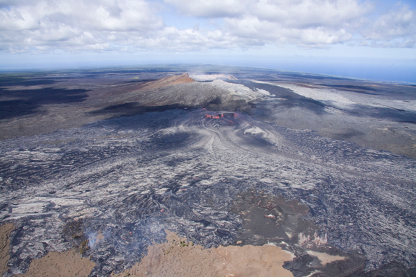 Hawaiian Volcano Observatory images show new lava breakout