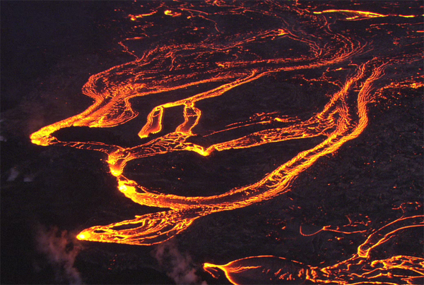 VIDEO: Hawaii volcano eruption latest – Amazing chopper footage
