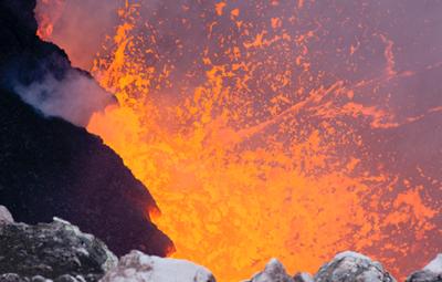 High lava level reported at Kilauea volcano summit