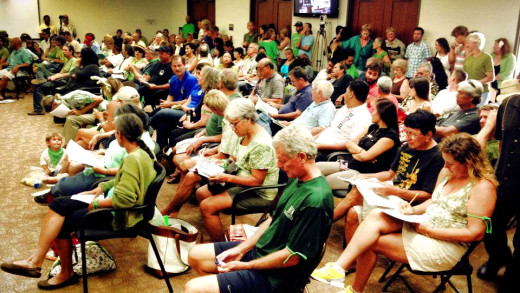 Hundreds pack Hawaii Island testimony sites to speak out on the bill to ban GMO
