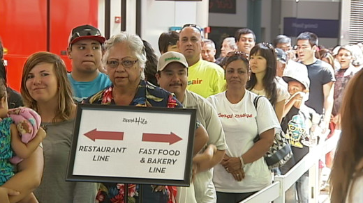 Hundreds lined up today for a taste of Zippy's, which has finally opened a location in Hilo