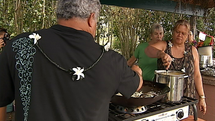 VIDEO: 'Aipono Workshop teaches cooking for the canoe