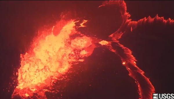 VIDEO: Kilauea volcano lava lake spattering captured
