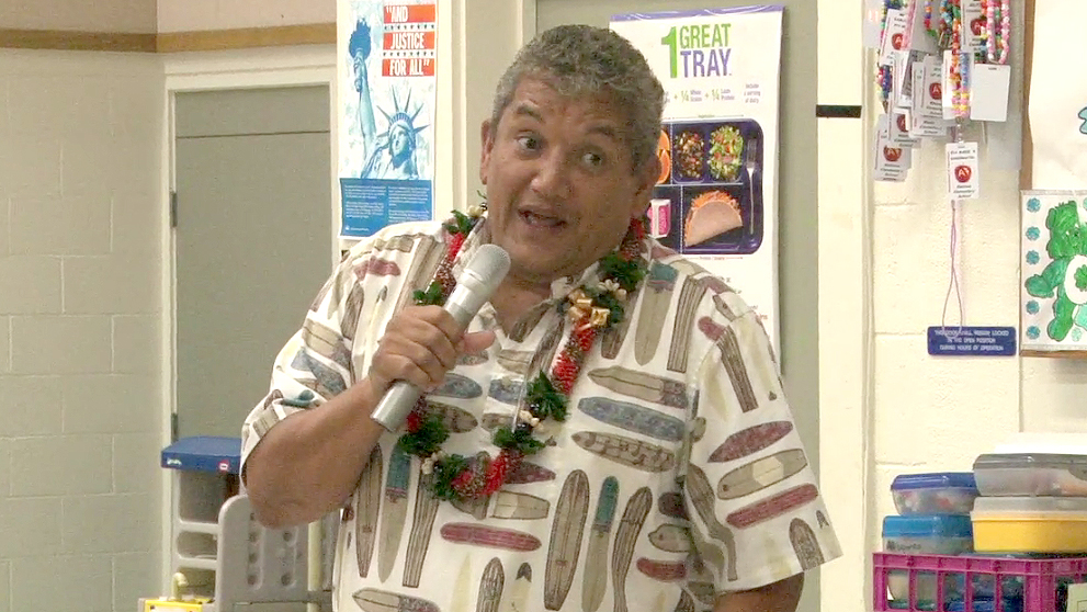 VIDEO: Mayor Kenoi inspires Waimea Middle students
