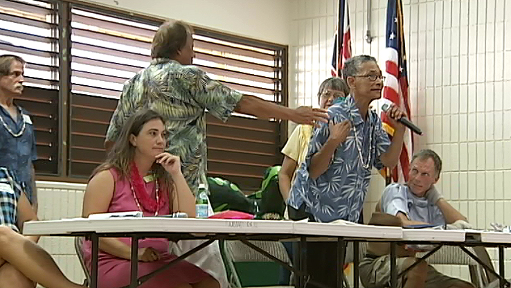 RJ Hampton lashes out during the Puna Pono Alliance forum held in Pahoa