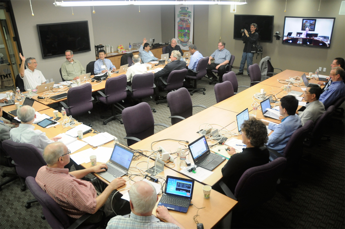 The TIO Board of Governors voting to begin the construction phase. CREDIT: Thirty Meter Telescope