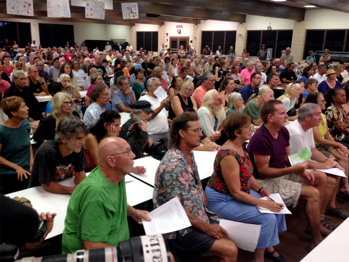 VIDEO: Lava Flow Meeting in Pahoa After Volcano Warning Issued