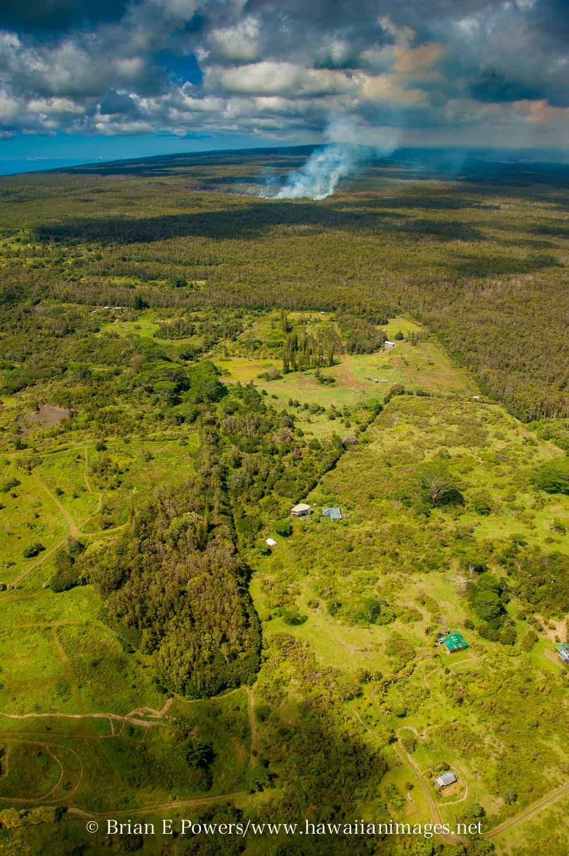 (Courtesy Brian Powers, http://www.hawaiianimages.net ) Photo shows the proximity of the lav flow to Kaohe Homesteads near Pahoa.