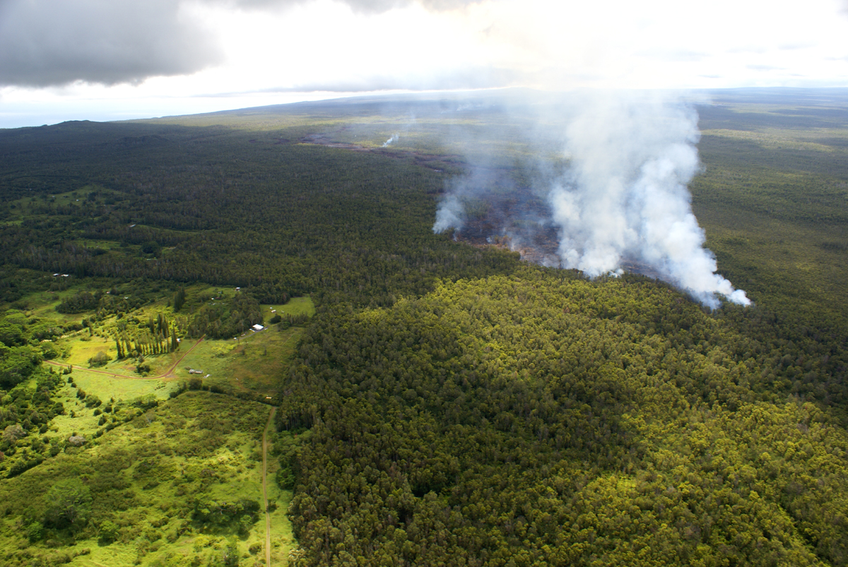 VIDEO: Morning Lava Flow Update – Tuesday, Sept. 16