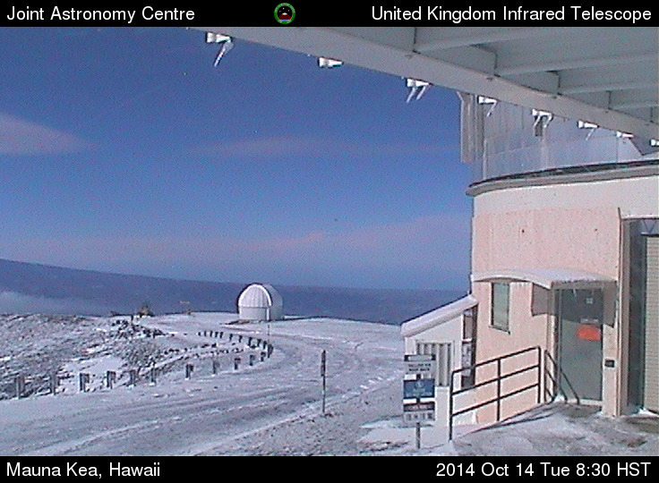 Tuesdaay morning webcam view from UKIRT, aimed southwest.