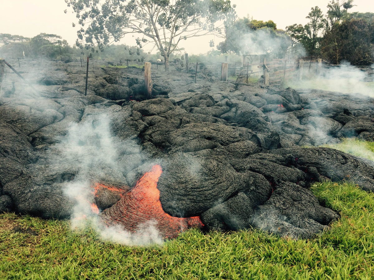 Midday Lava Flow Update – Sunday, Oct. 26