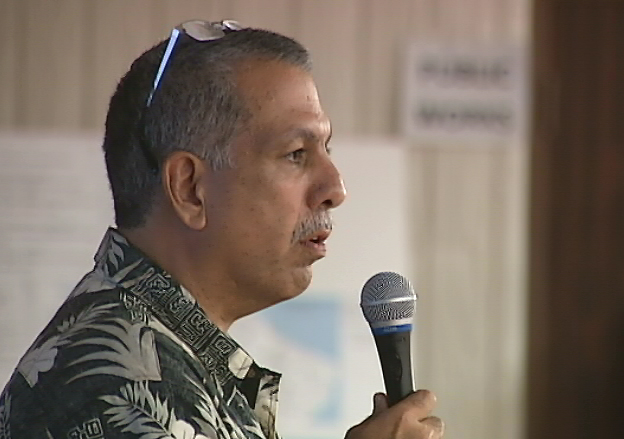 VIDEO: Civil Defense Gives Lava Update At Pahoa Meeting