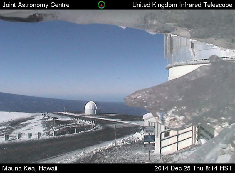 White Christmas in Hawaii As Summits Get Some Snow