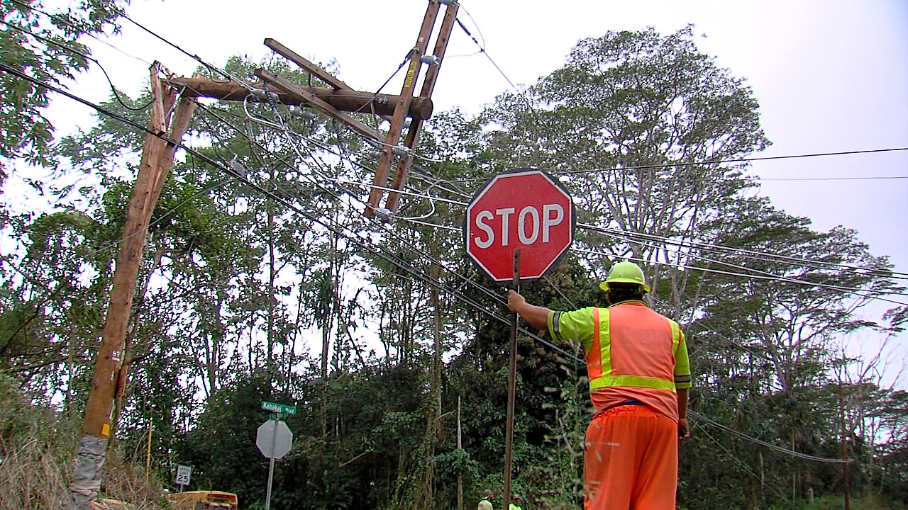 Crews Work To Restore Power To Puna